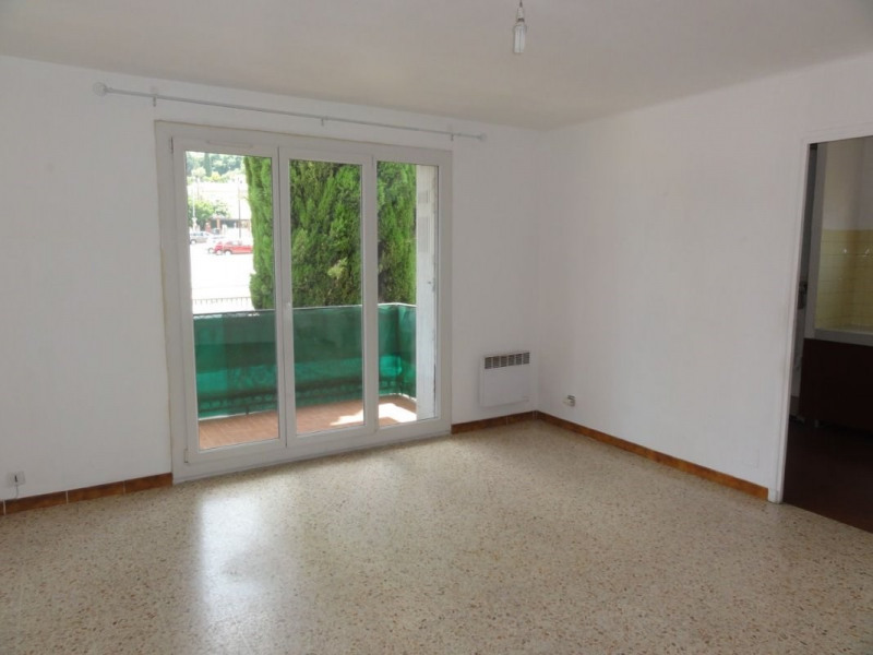 Location appartement Le beausset 659€ CC - Photo 2