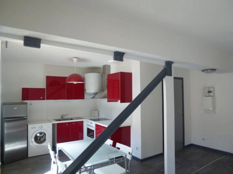 Location appartement Saint-laurent-du-pont 389€ CC - Photo 2