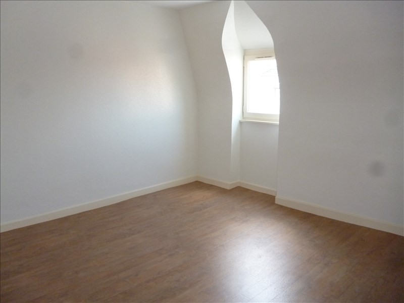 Location appartement Le coteau 381€ CC - Photo 3