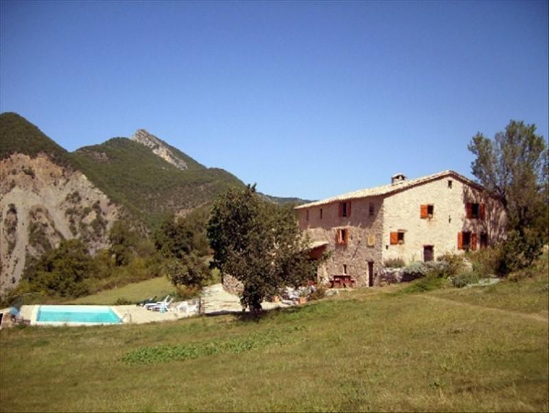 Vente de prestige maison / villa Clamensane 950000€ - Photo 1