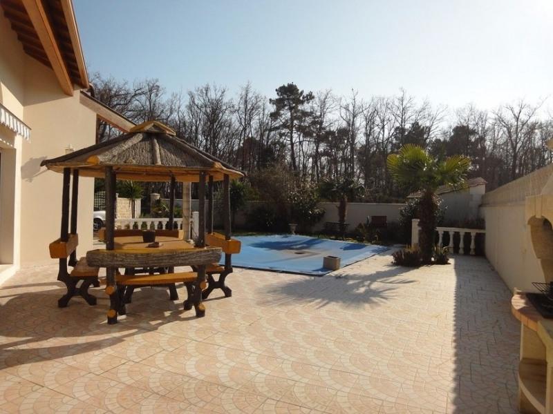 Sale house / villa Chaillevette 389750€ - Picture 2
