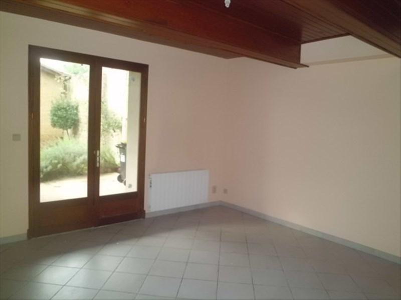 Rental house / villa Mas grenier 539€ CC - Picture 5