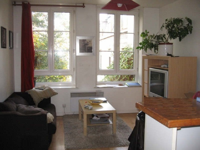Rental apartment St omer 380€ CC - Picture 2