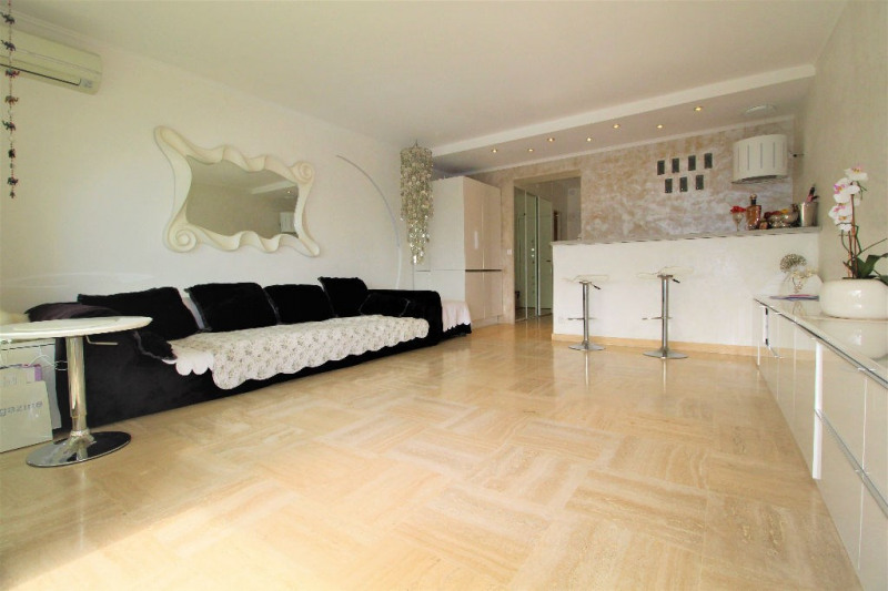 Sale apartment Villeneuve loubet 284 000€ - Picture 1