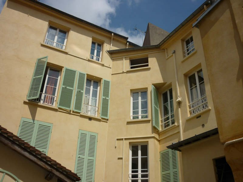 Rental apartment St germain en laye 660€ CC - Picture 3