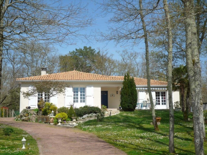 Sale house / villa Breuillet 399 000€ - Picture 1