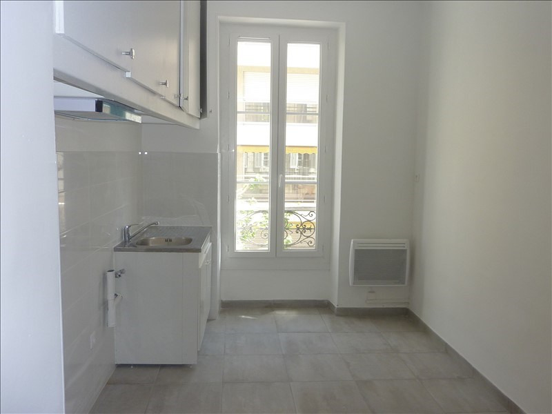 Rental apartment Marseille 7ème 770€ CC - Picture 3