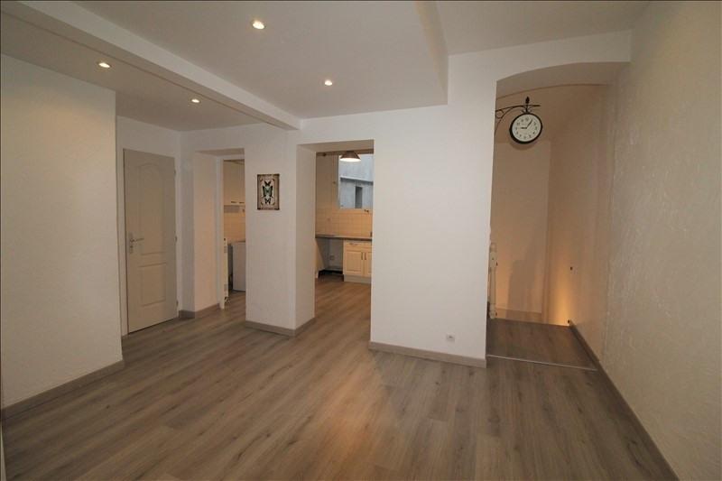 Verkoop  appartement Voiron 117000€ - Foto 1