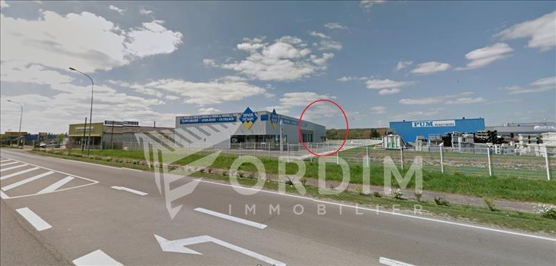 Location local commercial Moneteau 4200€ HC - Photo 1