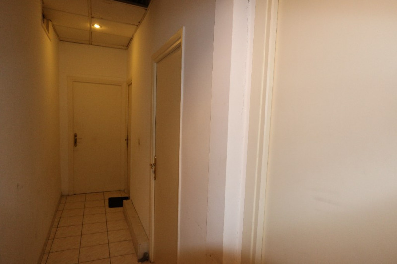 Deluxe sale loft/workshop/open plan Nice 965000€ - Picture 2