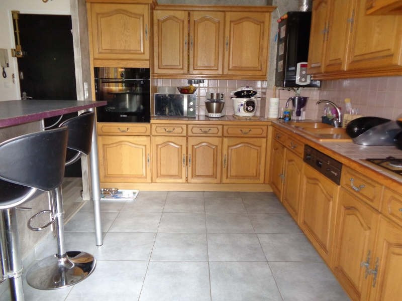 Sale apartment Pontault combault 210000€ - Picture 3