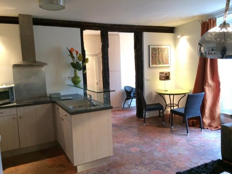 Location appartement Paris 4ème 1146€ CC - Photo 2