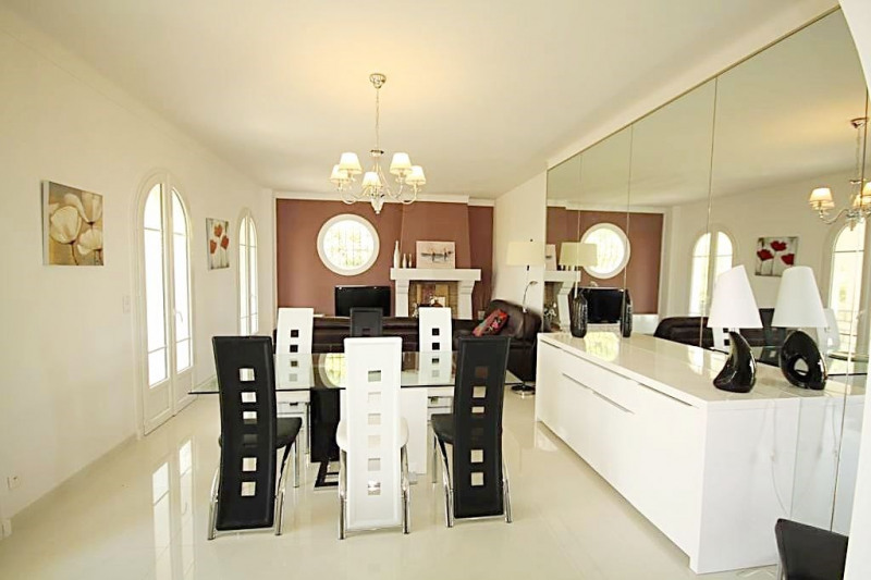 Deluxe sale house / villa Antibes 1 080 000€ - Picture 1