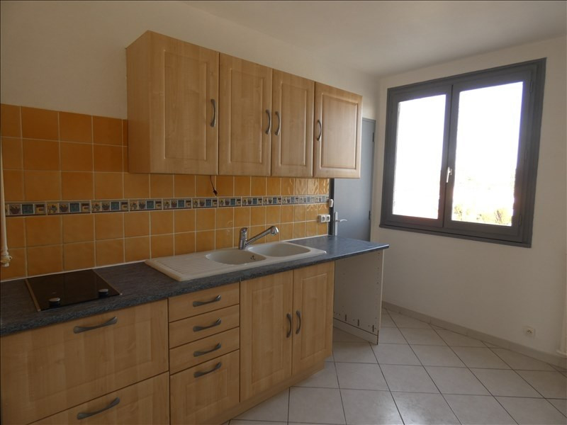 Rental apartment Montelimar 670€ CC - Picture 1