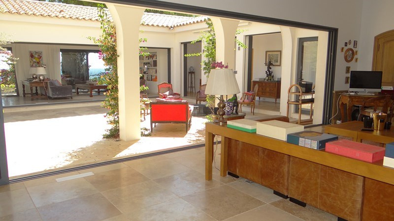 Vacation rental house / villa Le rayol 8 000€ - Picture 11