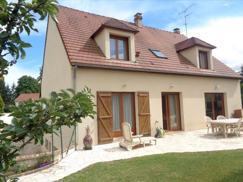 Sale house / villa Chartrettes 550000€ - Picture 1