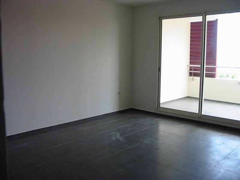 Location appartement St denis 611€ CC - Photo 7