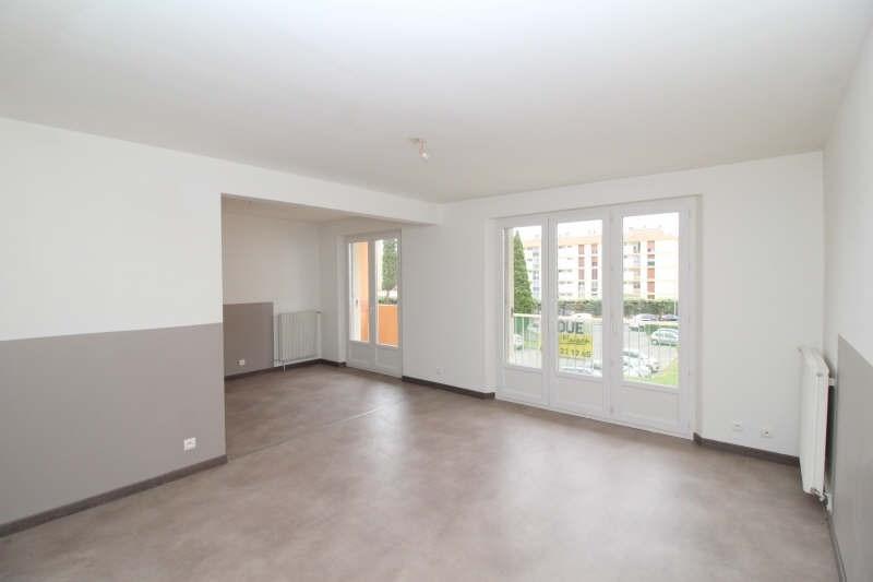 Rental apartment Salon de provence 695€ CC - Picture 1