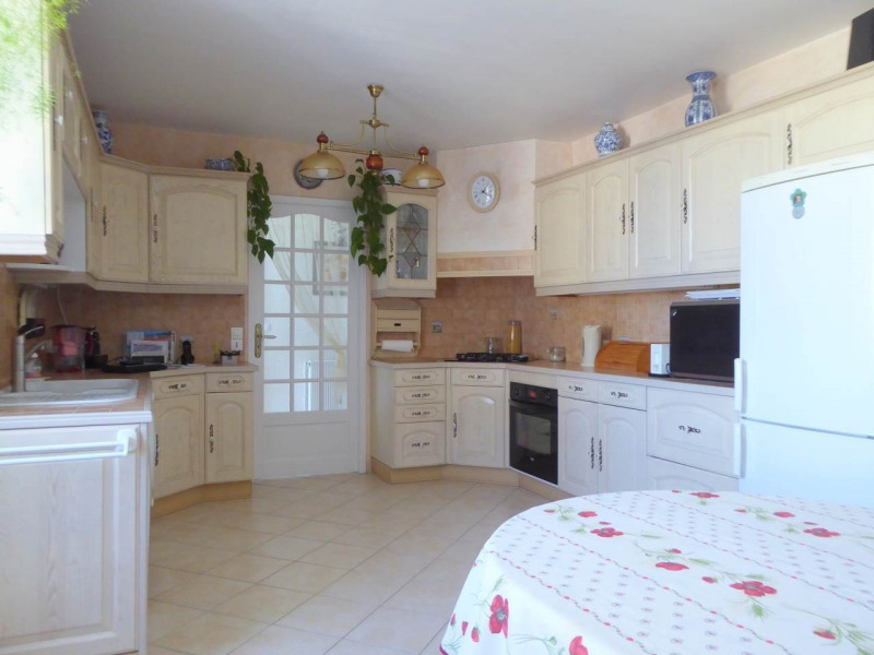 Sale house / villa Jarnac-champagne 379800€ - Picture 3