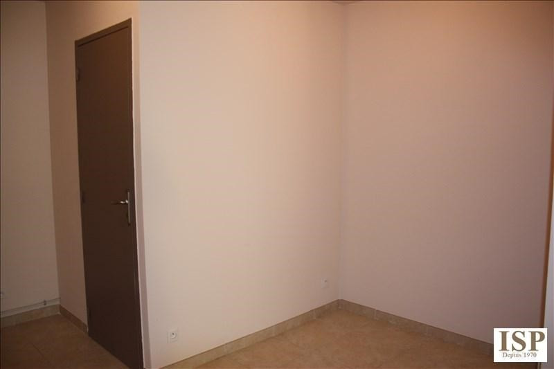 Location appartement Luynes 841€ CC - Photo 5