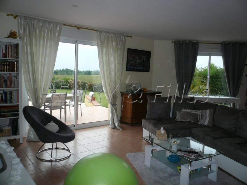 Sale house / villa L'isle jourdain 5 km 388000€ - Picture 5