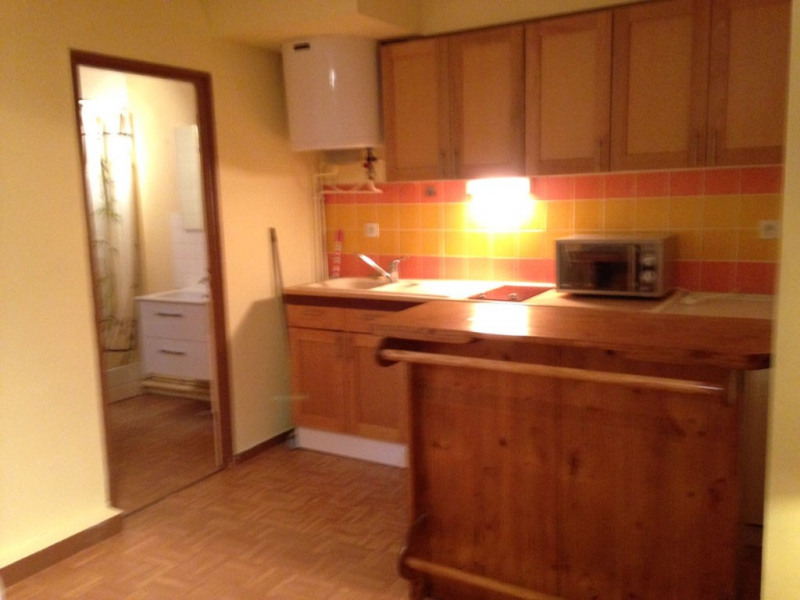 Rental apartment Bourgoin jallieu 399€ CC - Picture 3
