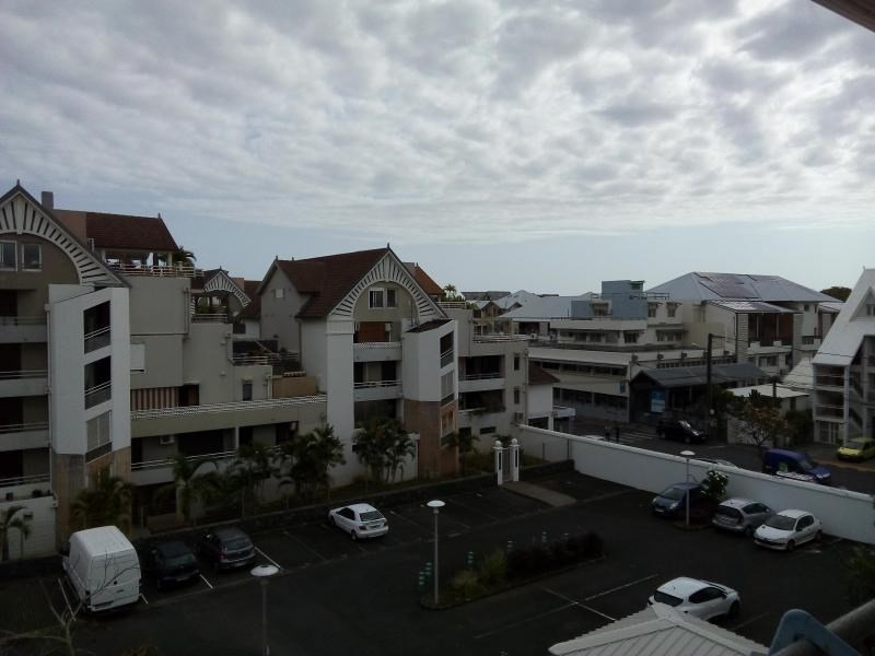 Sale apartment St pierre 105 000€ - Picture 2