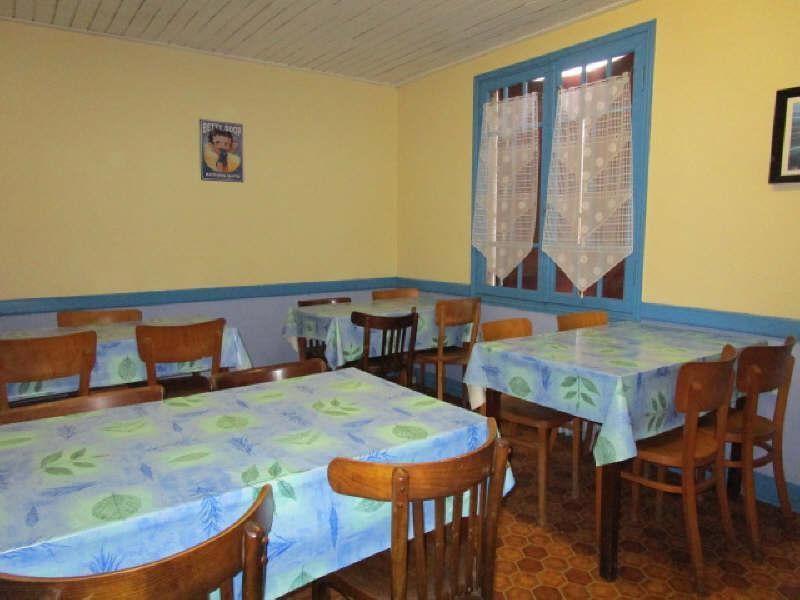Sale house / villa Laruscade 254900€ - Picture 4