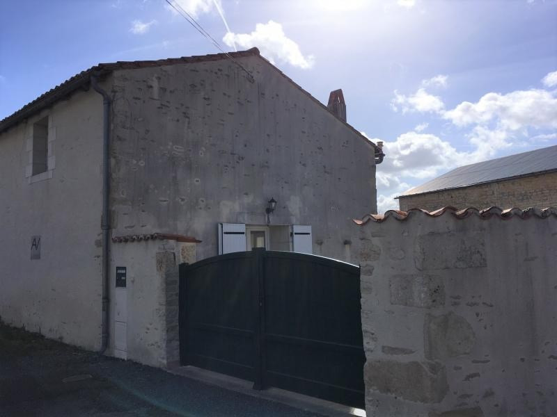 Sale house / villa Frontenay rohan rohan 138 000€ - Picture 1