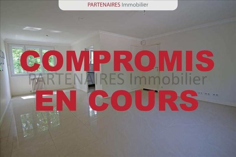 Sale apartment Le chesnay 290000€ - Picture 1