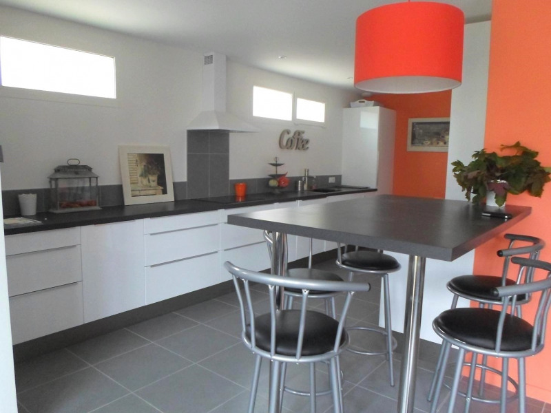 Location vacances maison / villa Saint-palais-sur-mer 3 860€ - Photo 3