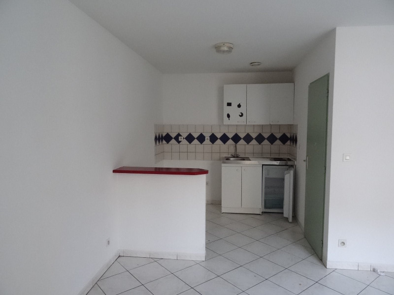Rental apartment Agen 380€ CC - Picture 2