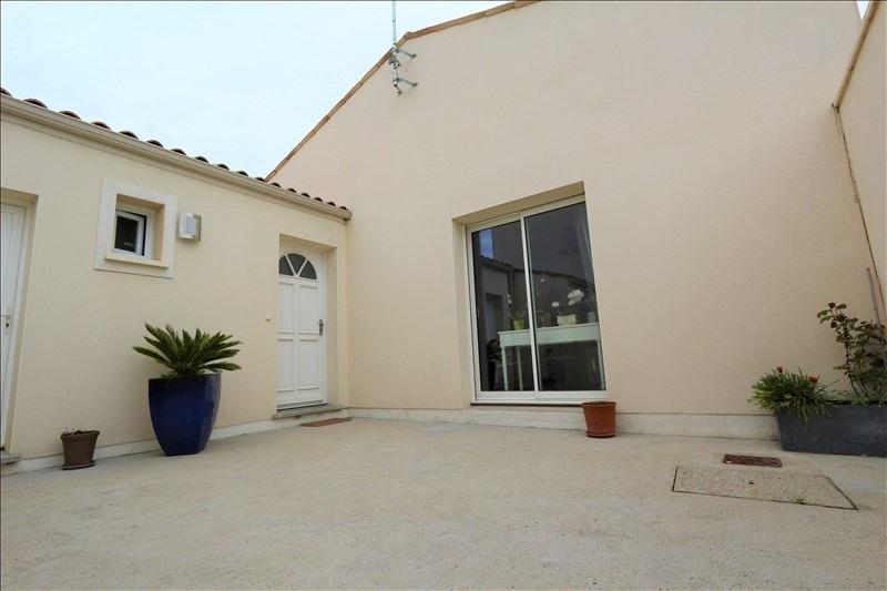 Sale house / villa Meursac 227000€ - Picture 1