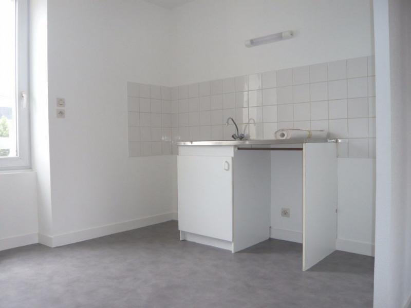 Rental apartment Laval 414€ CC - Picture 2