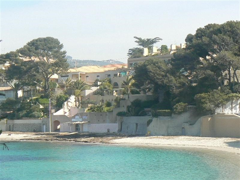 Vacation rental apartment Bandol 340€ - Picture 1