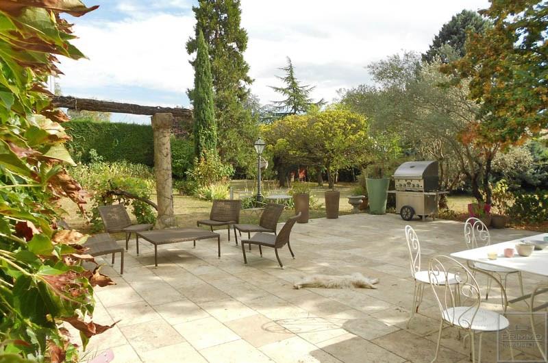 Rental house / villa Saint genis les ollieres 2890€ CC - Picture 2