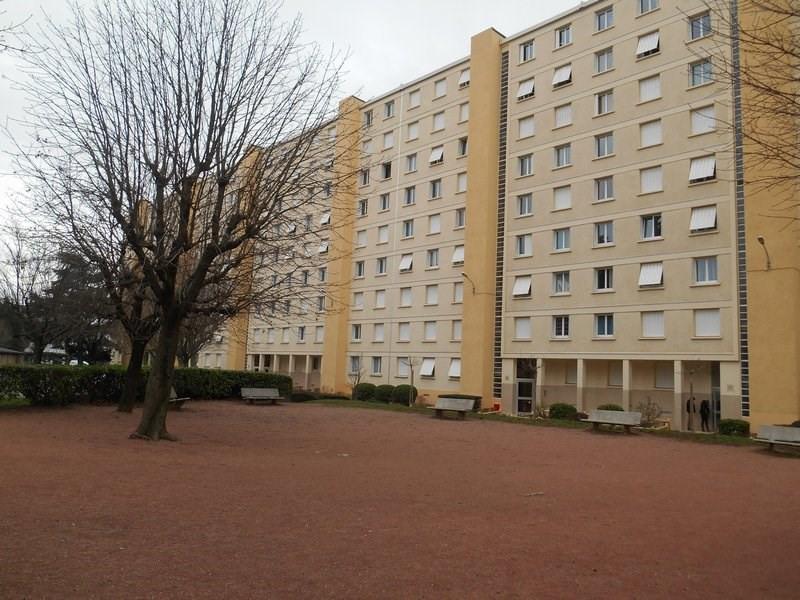 Rental apartment Ste foy les lyon 695€ CC - Picture 1