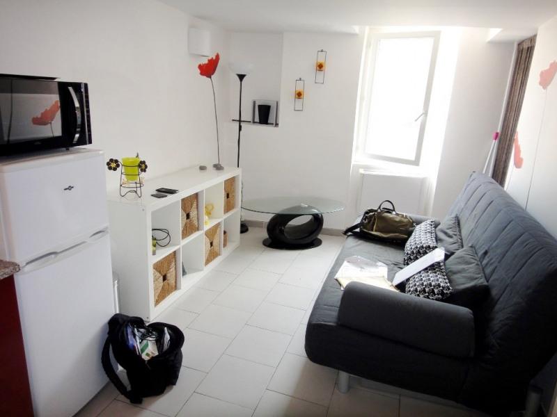 Location appartement Saint-mitre-les-remparts 470€ CC - Photo 1