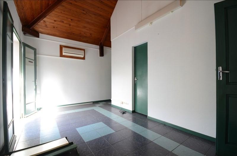 Rental empty room/storage St pierre 1050€ HT/HC - Picture 2