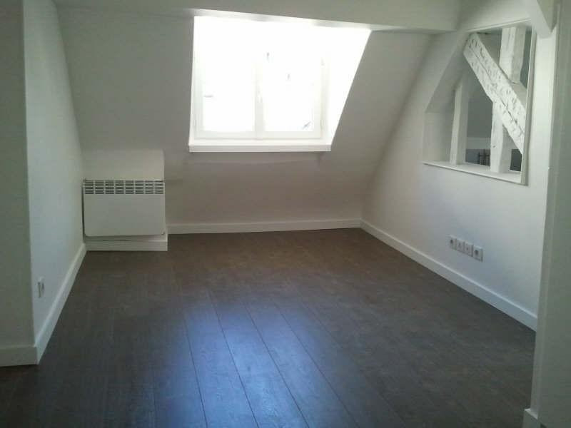 Rental apartment Paris 3ème 1 349€ CC - Picture 2