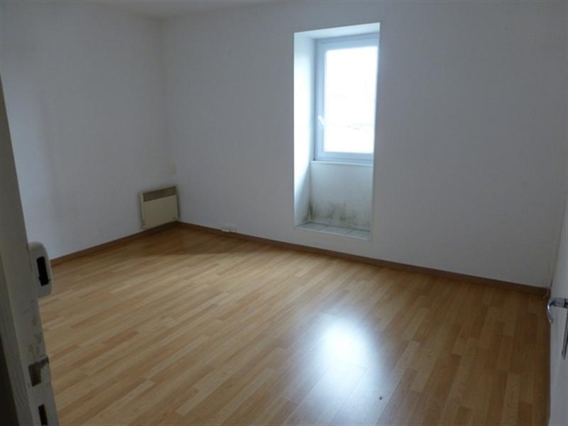 Sale house / villa Saint-jean-d'angély 106800€ - Picture 4