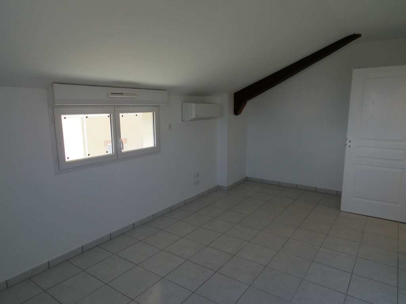 Location maison / villa Montastruc la conseillere 906€ CC - Photo 6