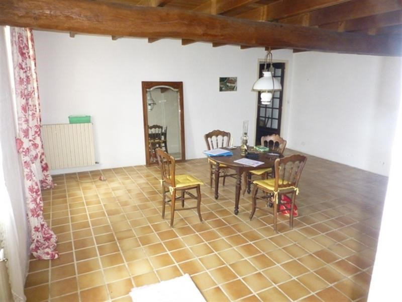 Sale house / villa Saint-jean-d'angély 147 700€ - Picture 3