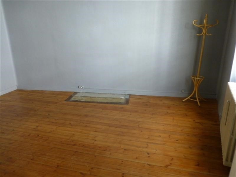 Sale apartment Saint-jean-d'angély 75 000€ - Picture 4