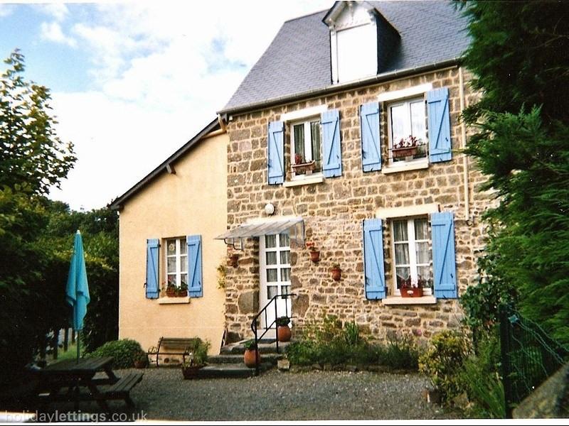 vente maison villa 70 pi ce s st lo 70 m avec 2 chambres 107 500 euros cabinet. Black Bedroom Furniture Sets. Home Design Ideas