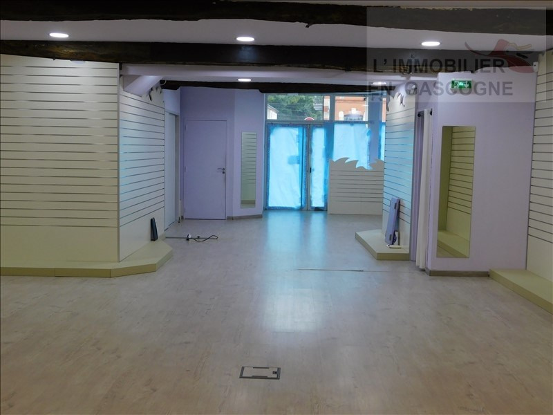 Location local commercial Auch 1200€ HT/HC - Photo 4