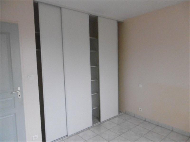 Location maison / villa Planioles 816€ CC - Photo 9