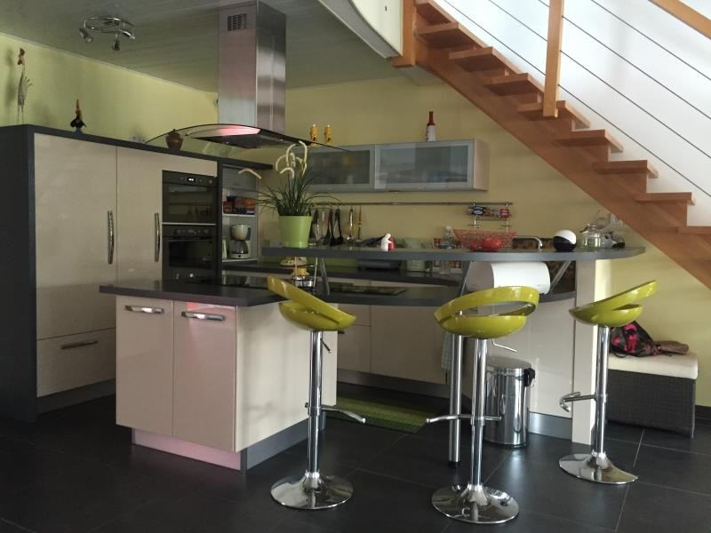 Sale house / villa Avrille 299520€ - Picture 2