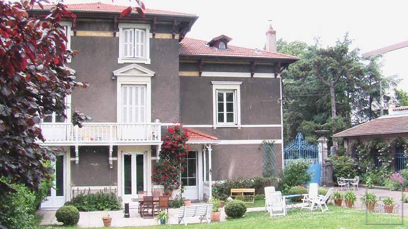 Deluxe sale house / villa Lyon 9ème 870000€ - Picture 2