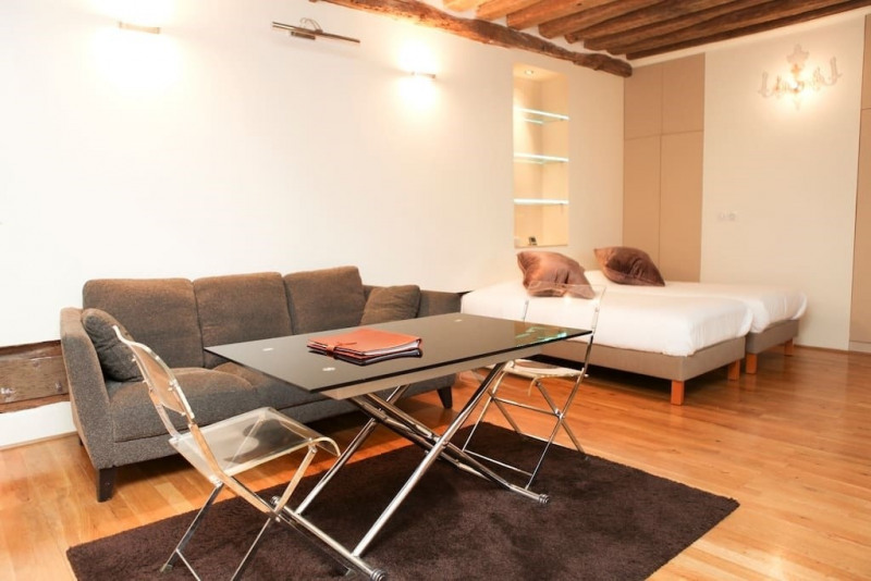 Rental apartment Paris 4ème 1600€ CC - Picture 2